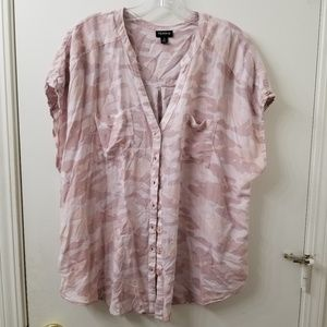 Torrid size 1 pink camo button down